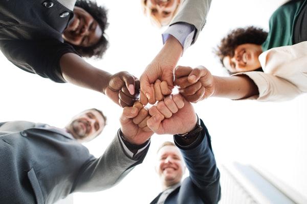 Firmenfitness stärkt den Zusammenhalt im Team